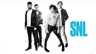 The 1975 - Love Me (Live on SNL)