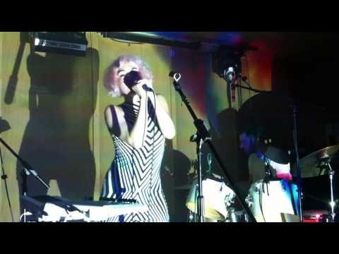 Ultraista - Smalltalk (Live @ Birthday's, London 07.10.2012)