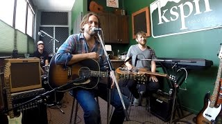 hayes carll performs kmag yoyo kspn kitchen concerts