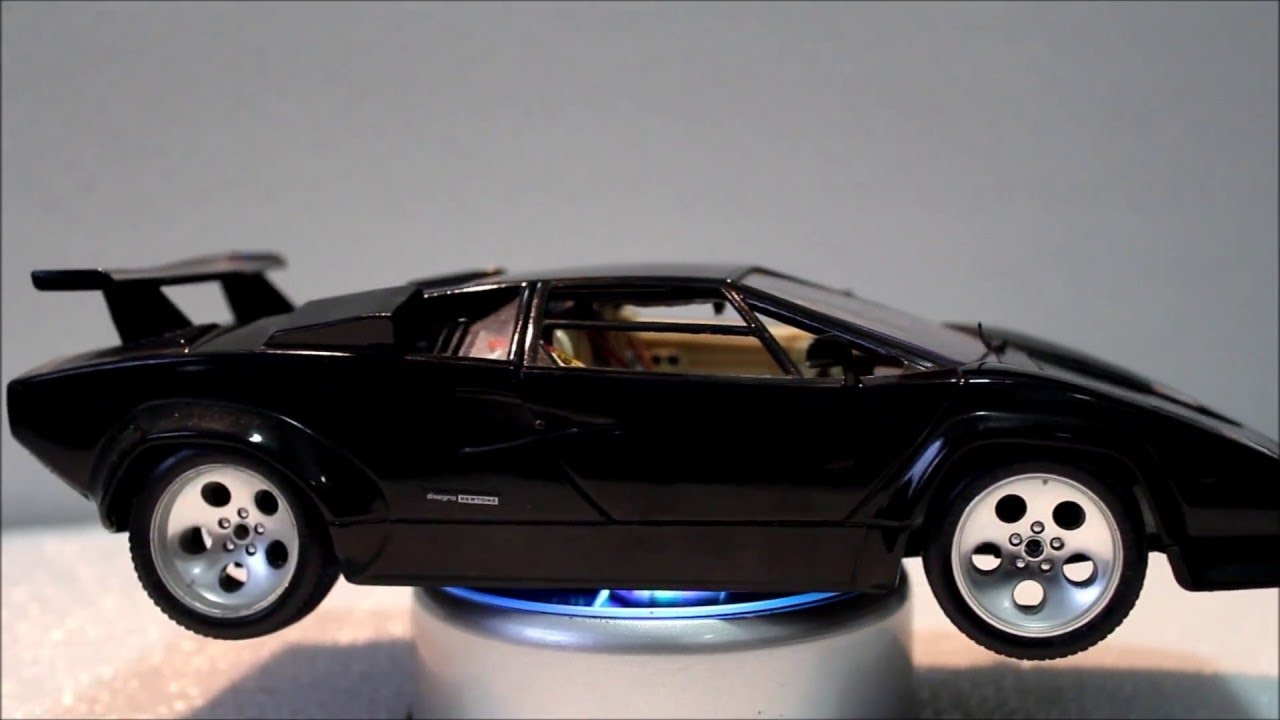 Burago 1988 Countach 1 18 Scale Anthonyj350 Youtube