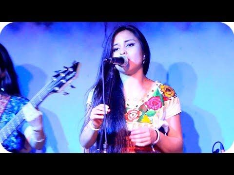 Voz Alí - Canta Roxana Karina - Mix Amor de mis Amores - Full HD 1080p: Si te gusta la música de Orquesta Voz Alí de Guatemala, te invitamos a que te suscribas a nuestro canal para estar al tanto de nuevos videos.  Síguenos en las Nuestras Redes Sociales:  Facebook → https://www.facebook.com/MarimbasDeGuate Twitter → https://twitter.com/MarimbasDeGuate/  En el video de hoy te presentamos el tema que lleva por nombre: Mix Mix Amor de mis Amores.  Comenta que video o tema musical te gustaría ver en nuestro canal.