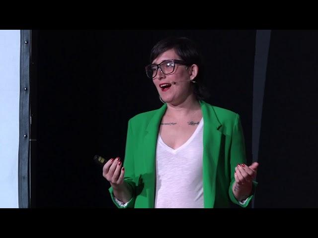 ¿Cómo no quedarse obsoleto en el mercado laboral de hoy? | Claudia Alderete | TEDxSanIsidro