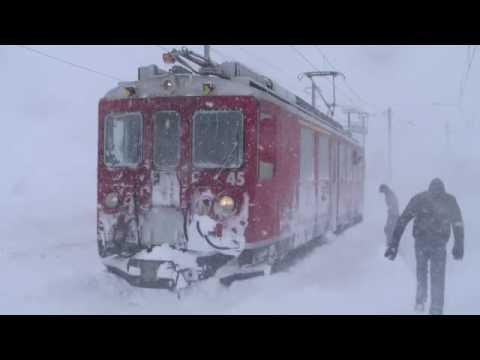 Treinen in de sneeuw, Zwitserland. Les trains dans la neige, Suisse. (Switzerland, Schweiz)