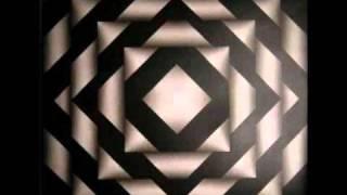 Play Ella Va Cae (Feat. Lui-G)
