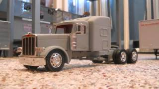 1/32 scale custom Peterbilt 389