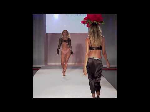 Super Sexy Model Walk 2017 thumbnail