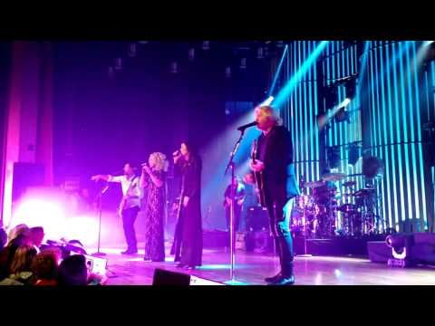 Unduh lagu Little Big Town - Rollin' (Nashville 2/24/2017) - ZingLagu.Com