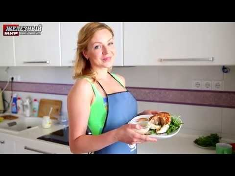 Стейк из семги с соусом и овощами