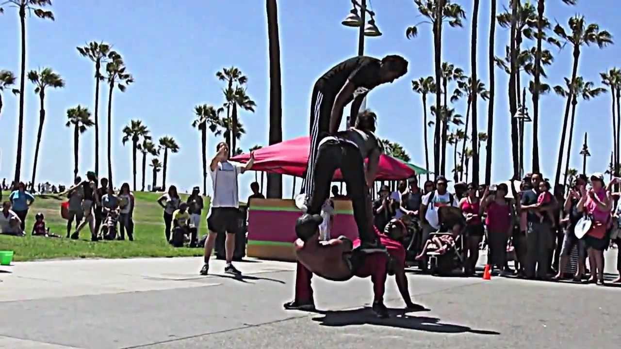 Street Performers In Venice Beach California
