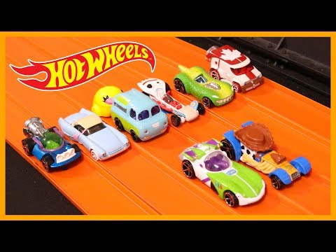 toy-story-4-character-cars-set-race