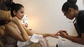 Ritika Badiani hot hand massage through UrbanClap service
