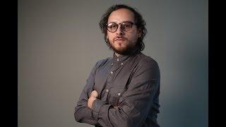 Manuel Coe de Camilo Séptimo en entrevista con Saga
