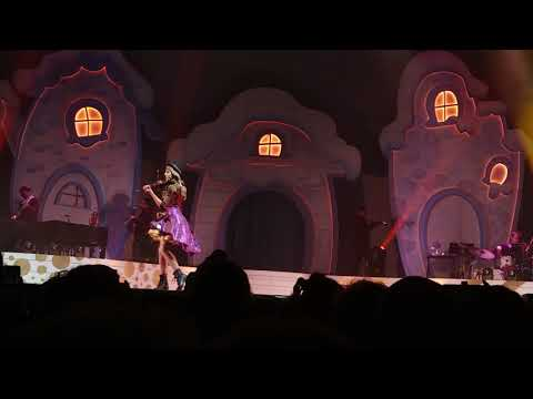 Lindsey Stirling - Jingle Bell Rock Medley - Live In Broomfield Colorado