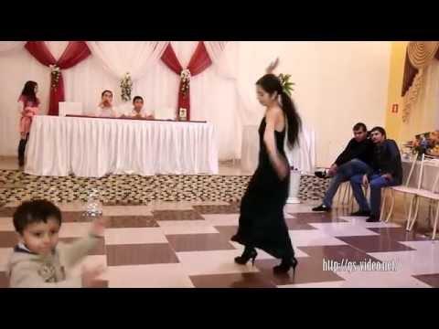 Танец Тверк -