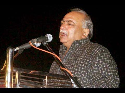 Munawwar Rana Kul Hind Mushaira Urdu ke Aangan Mein Aurangabad apna kalam sunate huwe.