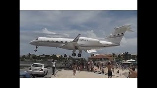 The world's most crazy plane take off and land