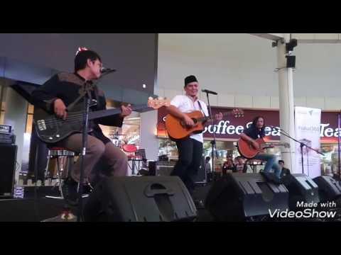 Begitu Indah (Akustik ) - Fadly Padi/Musikimia  ( 11 Juni'17 Live@Sumarecon Mall Serpong )