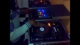 VID 20140611 00005 Dandora LOVE freestyle beat juggle and scratch