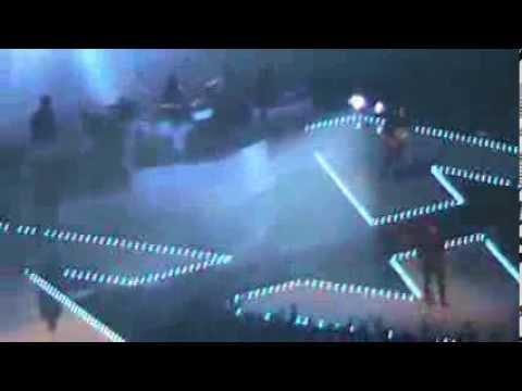 maroon-5-live-at-xcel-energy-center---payphone-feat.-wiz-khalifa