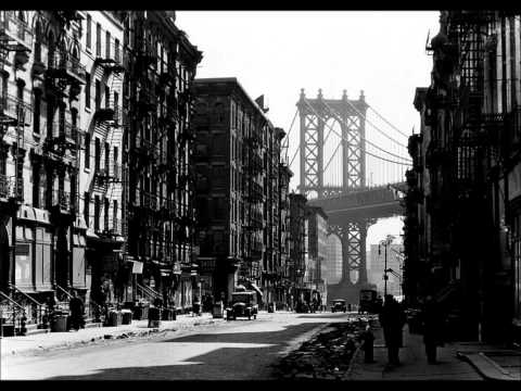 GET OUT OF TOWN -- ELLA FITZGERALD -- ( WITH LYRICS )