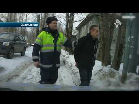 Водитель устроил спортивный кросс с полицейским автомобилем в Сыктывкаре