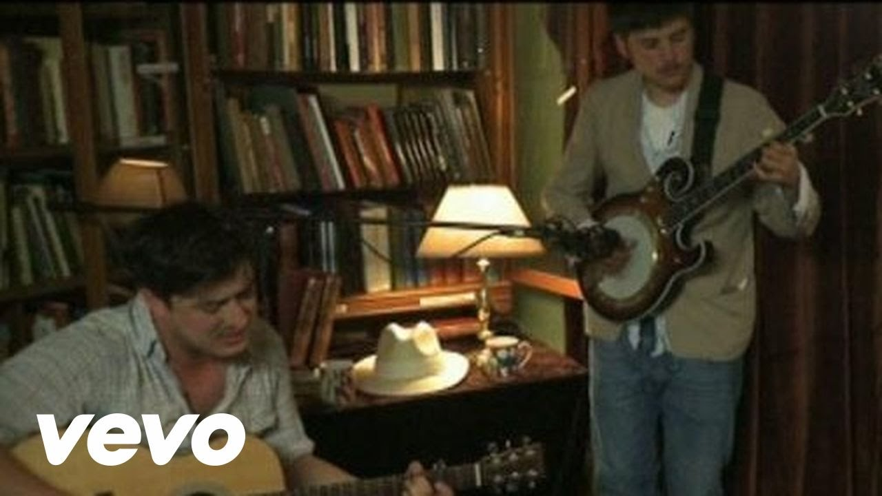 mumford-sons-the-cave-bookshop-acoustic-session-mumfordandsonsvevo