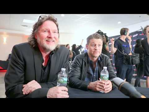 Donal Logue Harvey Bullock & Ben McKenzie Jim Gordon discuss Gotham @ NYCC '17