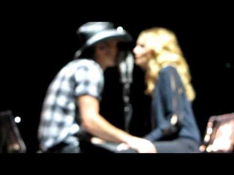 Tim McGraw & Faith Hill I Need You - Melbourne Australia 2012