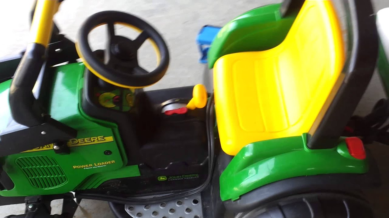 John Deere By Peg Perego Hooked To 12v Car Battery Youtube