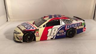 Review: 2018 Kyle Busch #18 Snickers Almond Toyota Camry 1/24 NASCAR Diecast