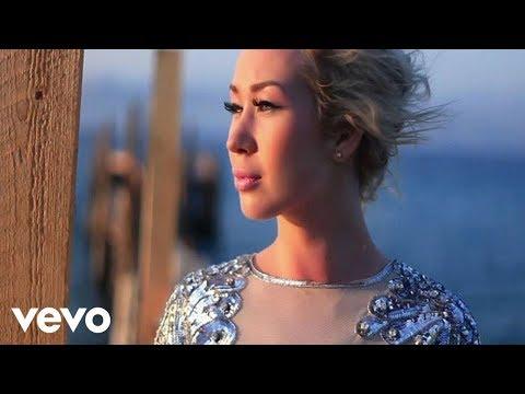 Клип Xonia - Hold On