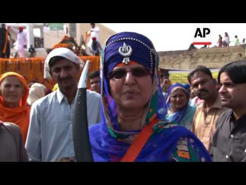 Thousands Of Sikhs From India And Elsewhere Celebrate Birth Anniversary Of Sikh Spiritual Leader