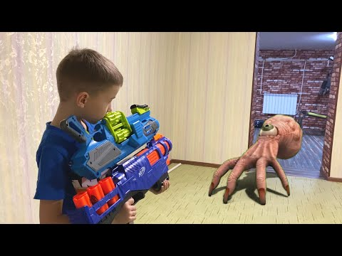 Nerf Game Monsters Hands Made Their Way Into The House Руки монстры пробрались в дом