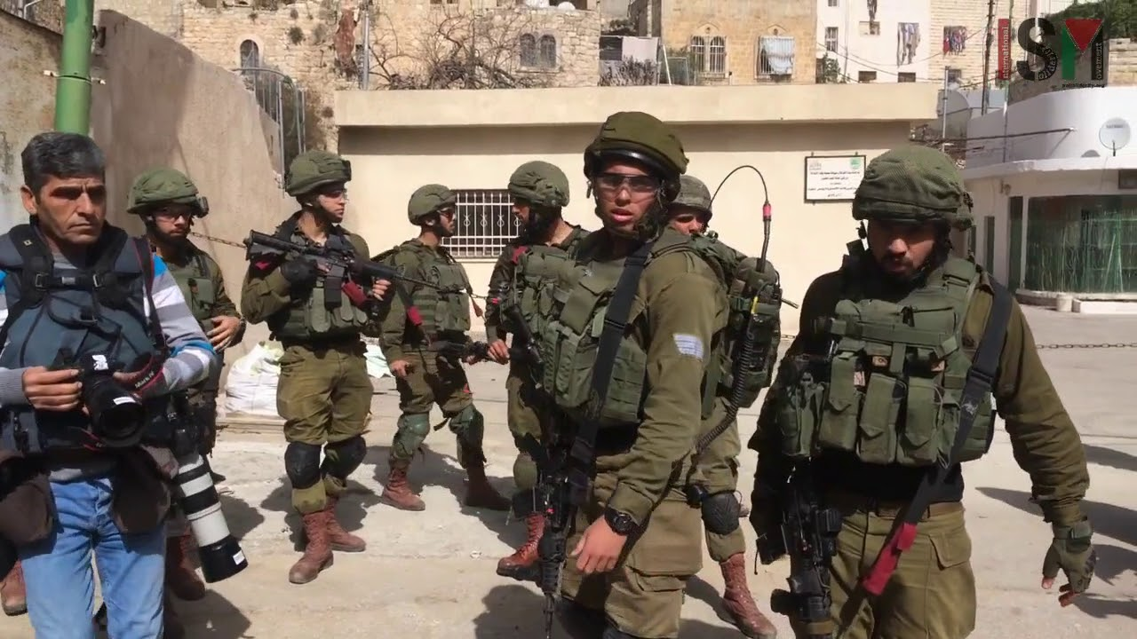 Beautiful Resistance Non violence in Hebron - YouTube