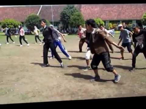 The Campion Of Flashmob Kunir's Senior High School Competition [selca].wmv