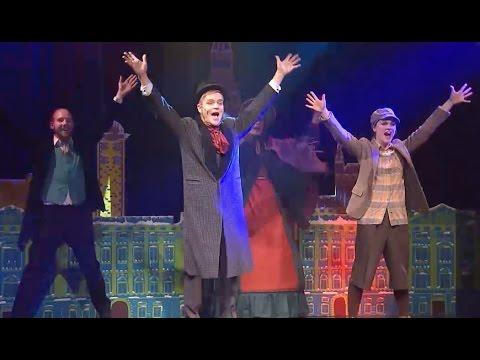 """""""Eine Weihnachtsgeschichte"""" von Charles Dickens feiert Premiere im GOP Varieté-Theater Hannover"""