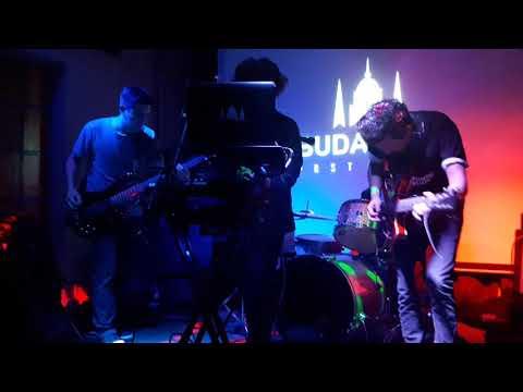 BUDAPEST en Factory music -Sucesos