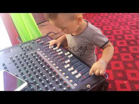 Bin đánh DJ