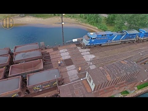 LS&I Railroad: Unloading the Marquette Ore Dock (Short Version)