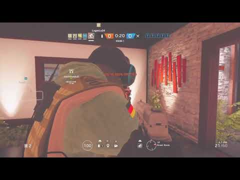 FUNNY FAILS IN RAINBOW SIX SIEGE! (Funny Moments)
