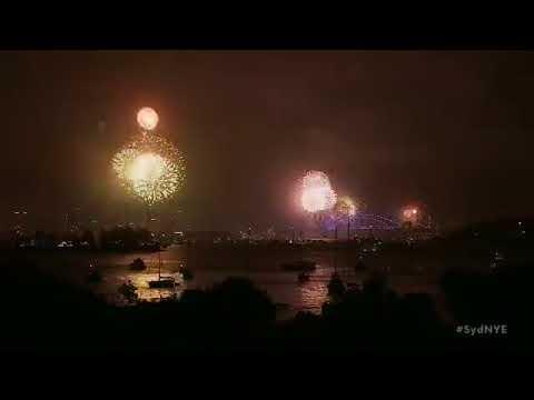 sydney-new-year's-eve-9pm-fireworks-sydney-harbour-❤️