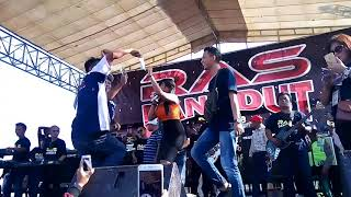 UUT Selly - JARAN GOYANG 'RICUH' Tawuran RAS DANGDUT JAWA TENGAH Live Pucang