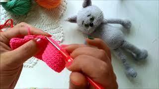 Штанишки для игрушки связаные крючком.