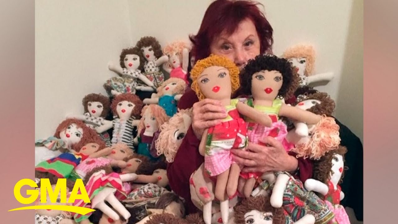 93-year-old painter makes dolls for children affected by the explosion in Beirut