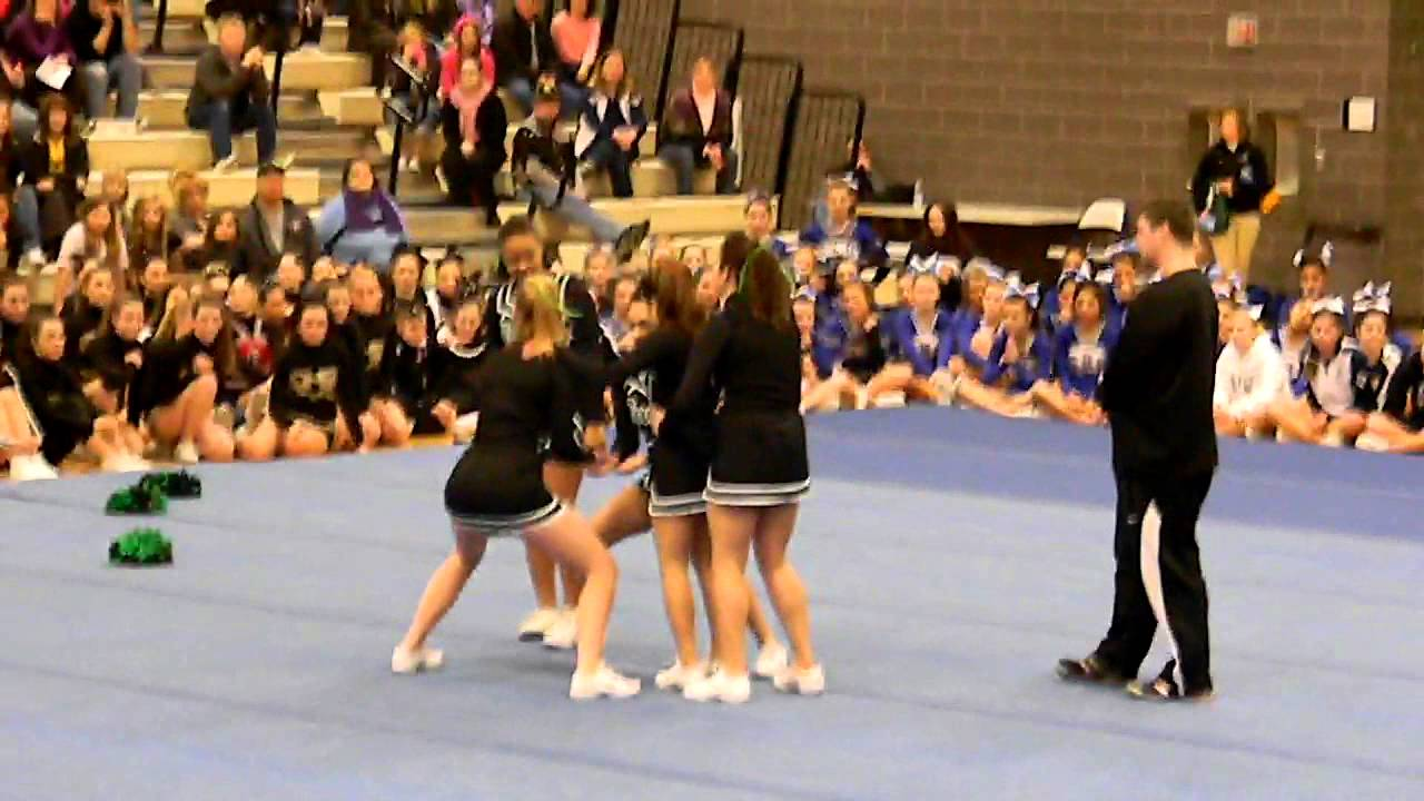 Washington School for the Deaf Cheer Team at the Lakeridge Competition - YouTube