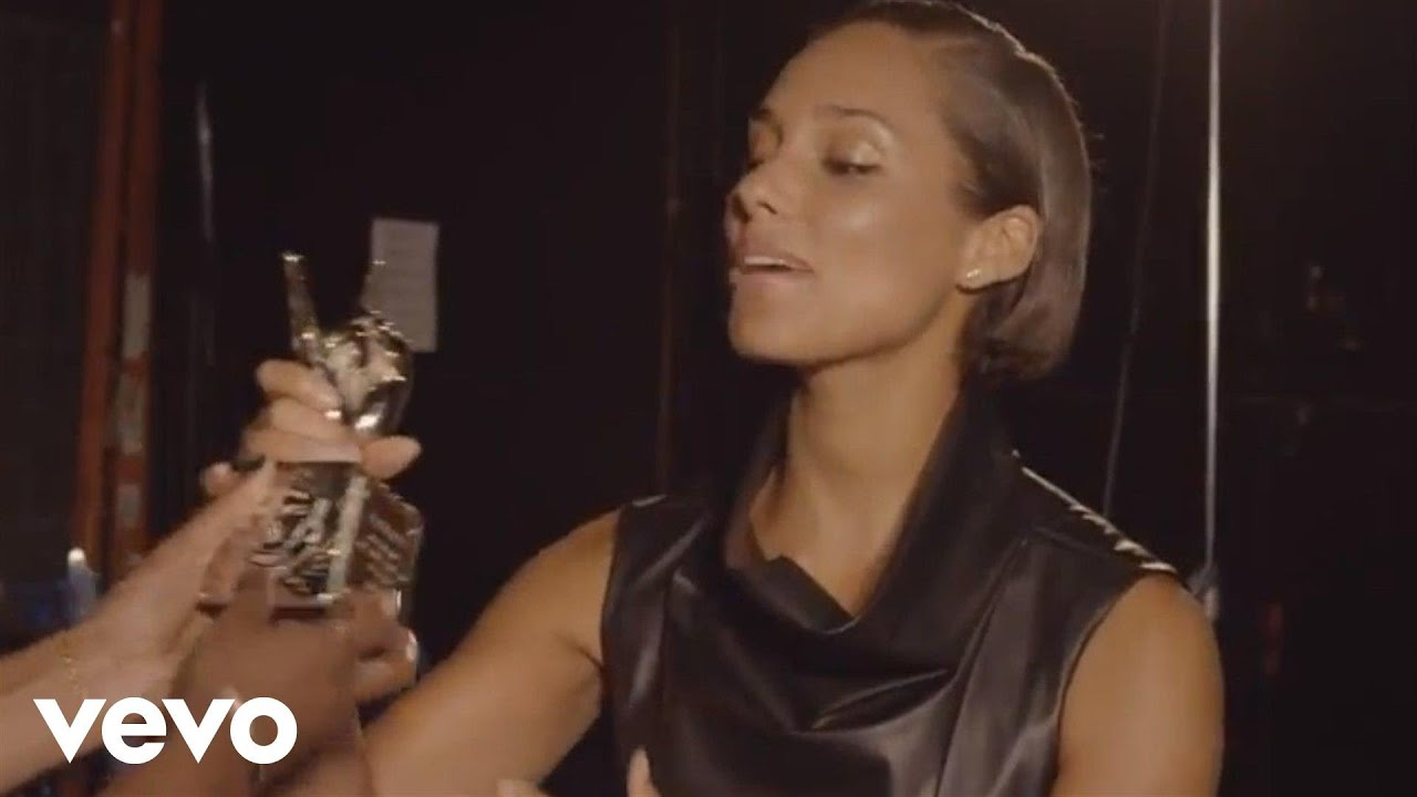 Download Alicia Keys - #VEVOCertified, Pt. 1: Award Presentation