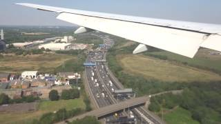 Landing at London Heathrow Airport (PIA) 2016