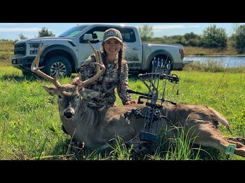 Hannah's 2019 Kansas Archery Buck!