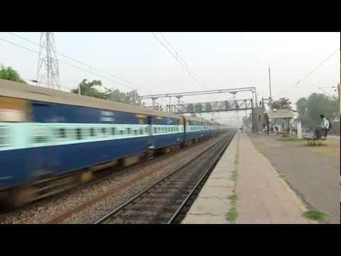 12155 Habibganj - Nizamuddin Bhopal express ISO Certified train