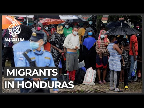 Honduras police stop US-bound migrants before Guatemala border